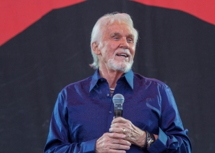 kenny-rogers-1-nc