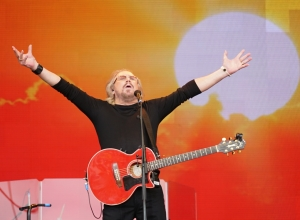 Barry Gibb1